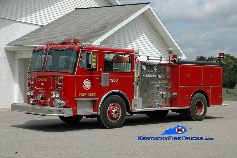 <center> RETIRED <br> Highland  Engine 1250  <br> x-Streamwood, IL <br> 1980 Seagrave HB  1250/500 <br> Greg Stapleton photo </center>