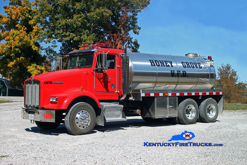 <center> Honey Grove  Tanker 1670  <br> 1998 Kenworth T-800/Osco 250/3000 <br> Kent Parrish photo </center>