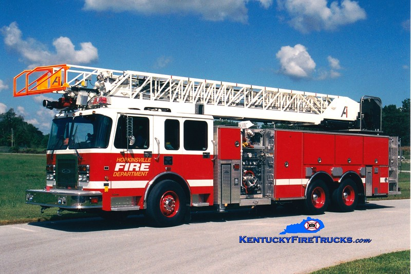 <center> Hopkinsville  Ladder 41 <br> 2001 Spartan Gladiator/Quality/Aerial Innovations1500/500/105'  <br> Greg Stapleton photo </center>