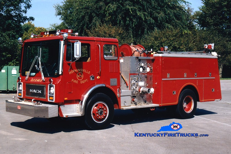 <center> RETIRED <br> Hopkinsville  Engine 105 <br> 1980 Mack MC 1250/500 <br> Greg Stapleton photo </center>