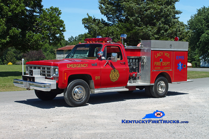 <center> Lacy  Rescue 751  <br> 1978 Chevy C30 4x4/Pierce 400/300 <br> Kent Parrish photo </center>
