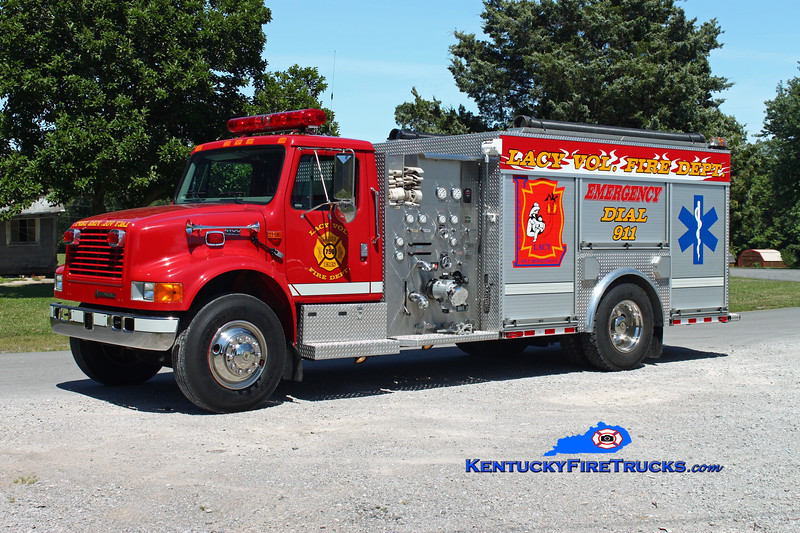 <center> Lacy  Engine 750  <br> 2000 International 4900/E-One 1250/1000 <br> Kent Parrish photo </center>