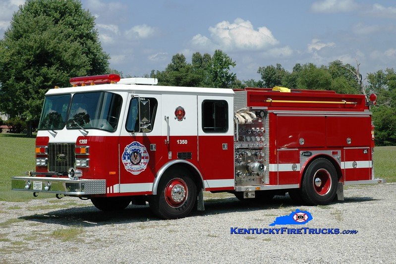 <center> Mannington  Engine 1350  <br> x-ISP Chemical, Paducah, KY <br> 1993 E-One Sentry 1000/750 <br> Greg Stapleton photo </center>