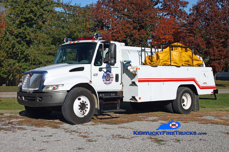 <center> Mannington  Tanker 1360  <br> 2002 International 4300/Independence Truck Equipment 250/1700 <br> Kent Parrish photo </center>