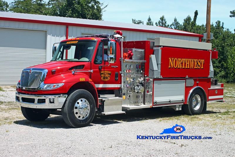 <center> Northwest  Tanker 660  <br> 2011 International 4400/Southern Fire Svcs 750/2100/30 <br> Kent Parrish photo </center>