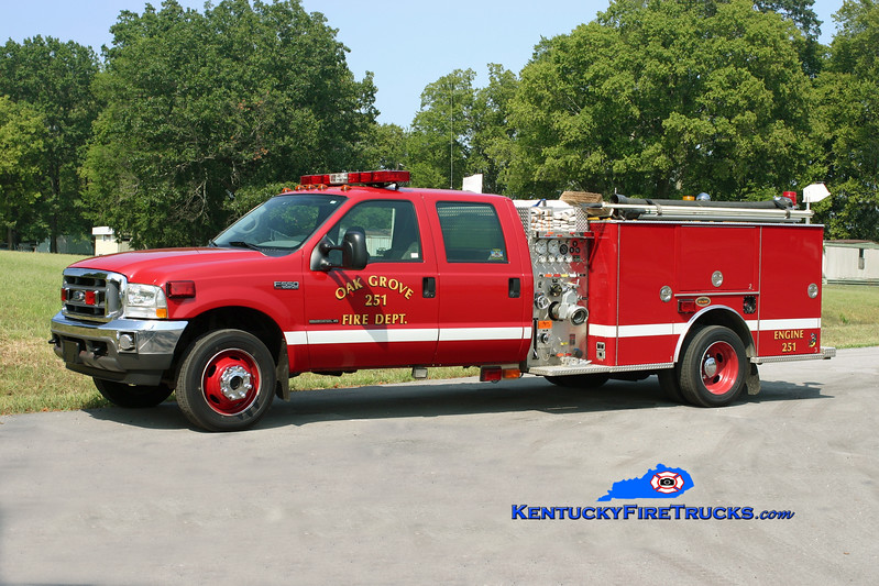 <center> Oak Grove Brush 251 <br> 2001 Ford F-550 4x4/KME 750/300  <br> Kent Parrish photo </center>
