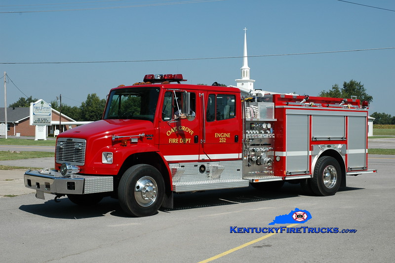 <center> Oak Grove  Engine 252 <br> 2003 Freightliner FL80/E-One 1250/1000  <br> Greg Stapleton photo </center>