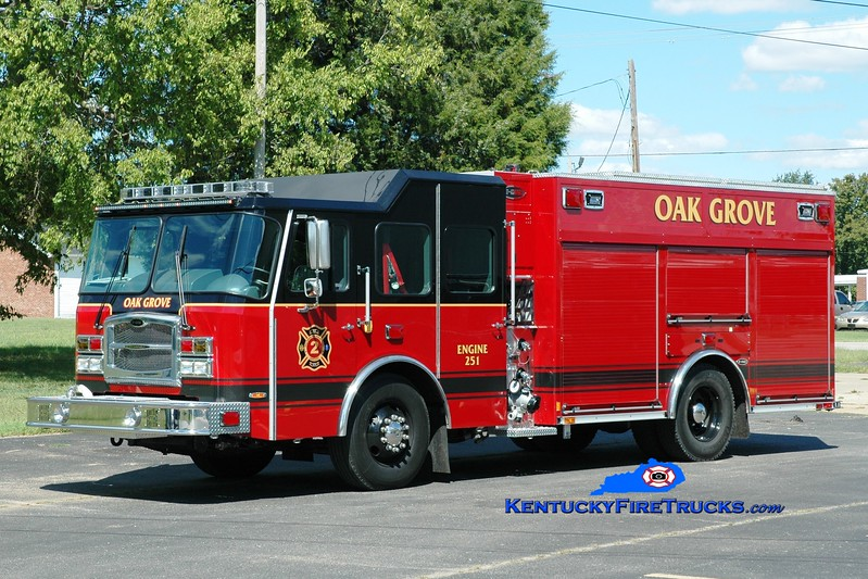 <center> Oak Grove  Engine 251 <br> 2015 E-One Typhoon eMAX 1500/780  <br> Greg Stapleton photo </center>