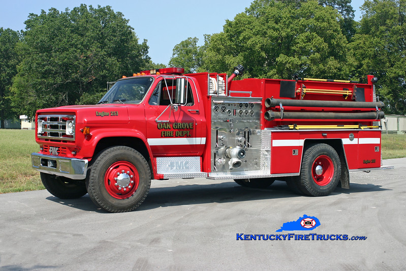 <center> Oak Grove Engine 253 <br> *Refurbished <br> 1986 GMC/FMC 1000/750  <br> Kent Parrish photo </center>