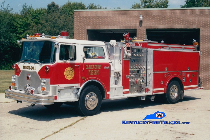 <center> RETIRED <br> Clark County  Engine 1  <br> x-North Caldwell, NJ <br> 1987 Mack CF/SPI 1500/1000 <br> Greg Stapleton photo </center>