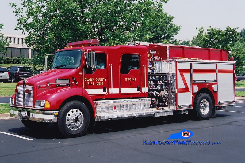 <center> Clark County  Engine 4  <br> x-Engine 1 <br> 2006 Kenworth T-300/Pierce 1250/1000 <br> Greg Stapleton photo </center>