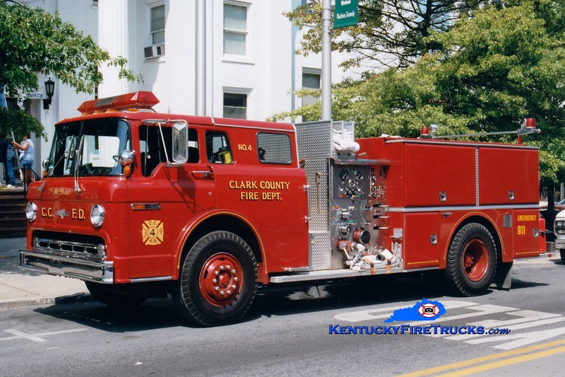 <center> RETIRED <br> Clark County  Engine 4  <br> 1988 Ford C-8000/Grumman 1000/750 <br> Greg Stapleton photo </center>