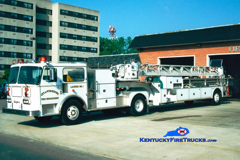 <center> RETIRED <br> Winchester  Ladder 1  <br> 1985 Seagrave HT 100'   <br> Greg Stapleton photo </center>