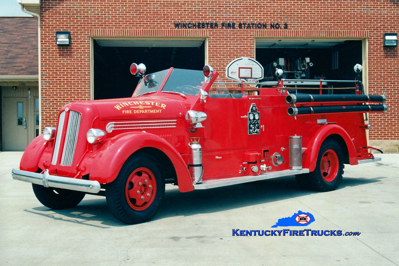 <center> Winchester  Antique   <br> 1947 Seagrave 750/200  <br> Greg Stapleton photo </center>