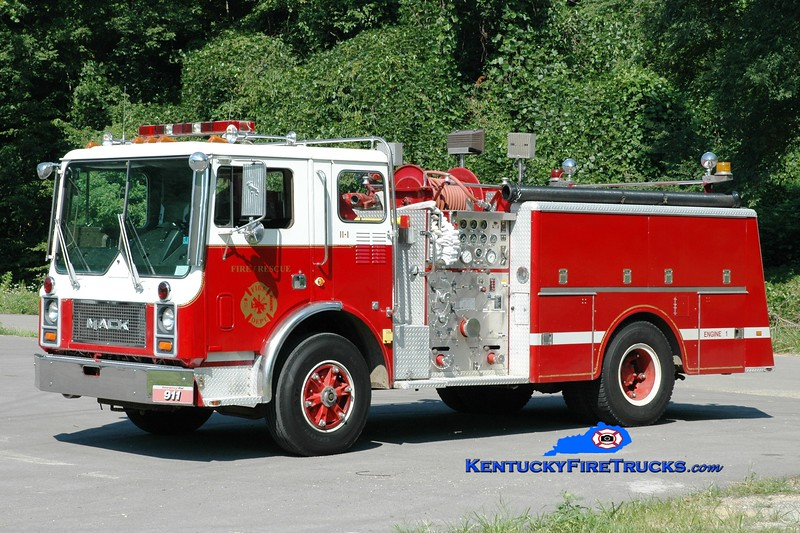 <center> Bright Shade  Engine 1 <br> x-Croydon, PA; Fogertown, KY <br> 1983 Mack MC 1000/500 <br> Greg Stapleton photo </center>