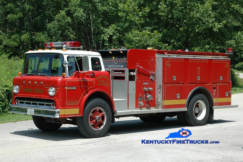 <center> Horse Creek  Engine 2 <br> 1981 Ford C-800/Amthor 1000/1000 <br> Greg Stapleton photo </center>