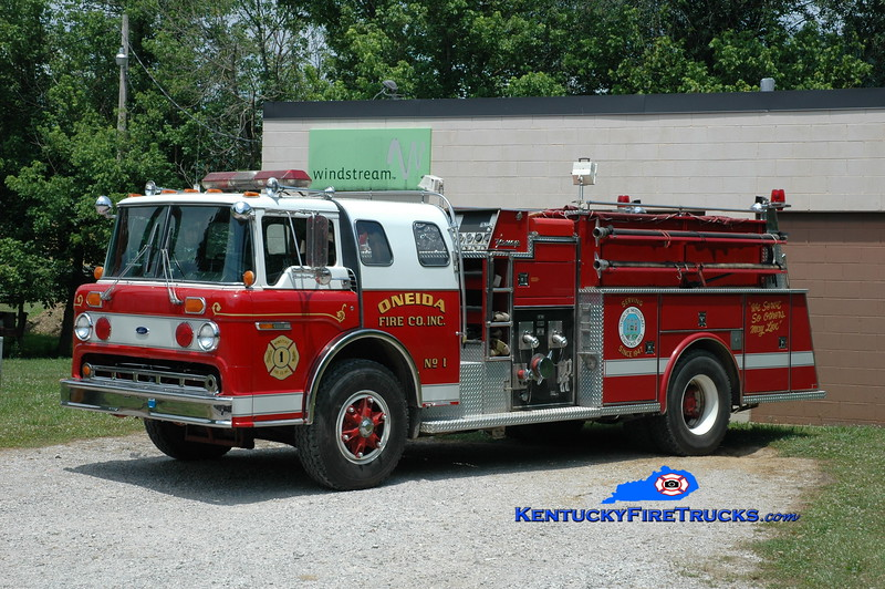 <center> Oneida  Engine 1 <br> x-Newstead, NY <br> 1986 Ford C-8000/Young 1250/1000 <br> Greg Stapleton photo </center>
