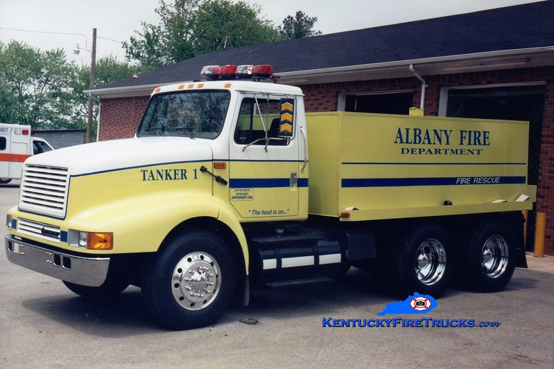 <center> Albany  Tanker 1 <br> 1997 International/Fitzgerald 250/2800 <br> Greg Stapleton photo </center>
