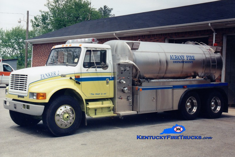<center> Albany  Tanker 2 <br> 1997 International/Midstate Tank 500/3000 <br> Greg Stapleton photo </center>
