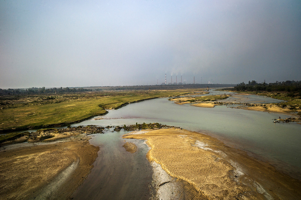 Chattisgarh, India, February 2015:   View of Hasdo river in Korba, a hub for coal and thermal power production.   Photographs for a story on land allocation for coal mines in Chattisgarh.  Modi's new government in the centre has relaxed the environmental regulations so the land can be allocated to both public and private sector companies easily.   Photo by Sami Siva for Al Jazeera America.