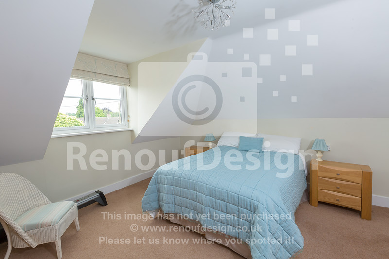 39 - Four Bedroom New Forest Chalet Bungalow with Annexe and Garden Room - For Sale