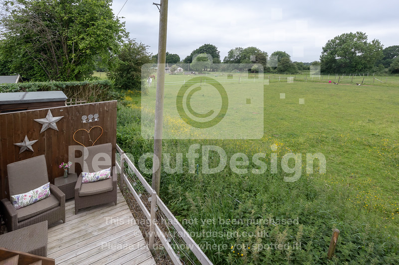16 - Four Bedroom New Forest Chalet Bungalow with Annexe and Garden Room - For Sale