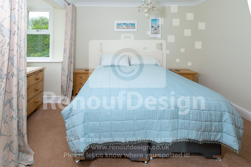 35 - Four Bedroom New Forest Chalet Bungalow with Annexe and Garden Room - For Sale