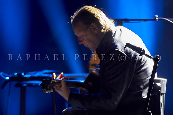 Barbara Hendricks trio concert,  Paris Le Trianon, June  2019. Max Shultz on guitar