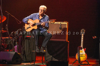 Dianne Reeves concert in Paris during Jazz à la Villette festival; September 2017. Romero Lubambo on guitar