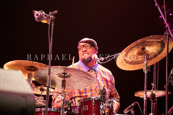 Dianne Reeves concert in Paris during Jazz à la Villette festival; September 2017. Terreon Gully on drums.