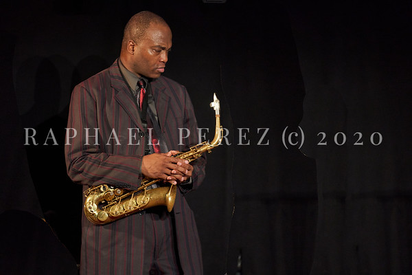 James Carter concert in Paris, Oct 2020, with his Organ Trio at New Morning. Artist with his sax.