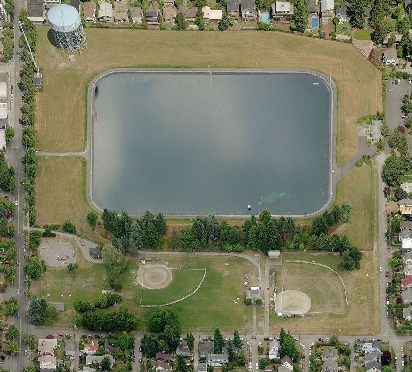 Aerial photo of the old reservoir, courtesy of Bing maps.