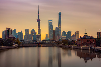 Golden glow / Shanghai, China