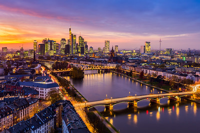 Golden sunset / Frankfurt am Main, Germany