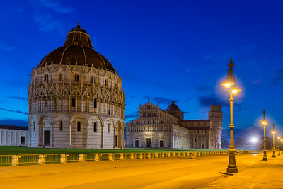The early bird / Pisa, Italy