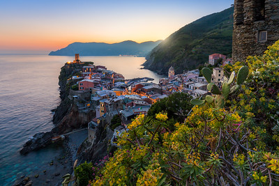 Summer sunset / Vernazza, Italy