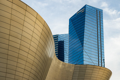 Curves and Straights / Songdo, South Korea