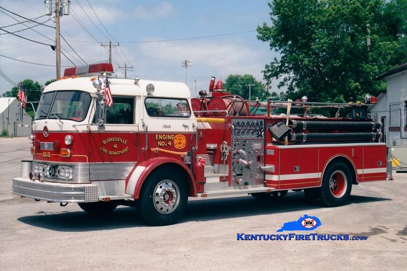 <center> Burkesville  Engine 4 <br> x-New Milford, NJ  <br> 1965 Mack C 1000/500 <br> Greg Stapleton photo </center>