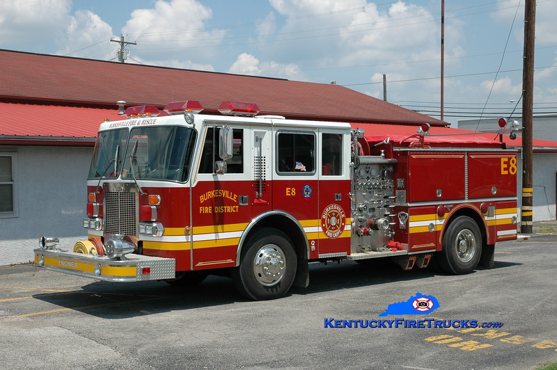 <center> RETIRED <br> Burkesville  Engine 8 <br> x-Edgewood and Okolona, KY <br> 1987 Duplex D-500/Grumman/1999 RPI 1250/1000 <br> Greg Stapleton photo </center>