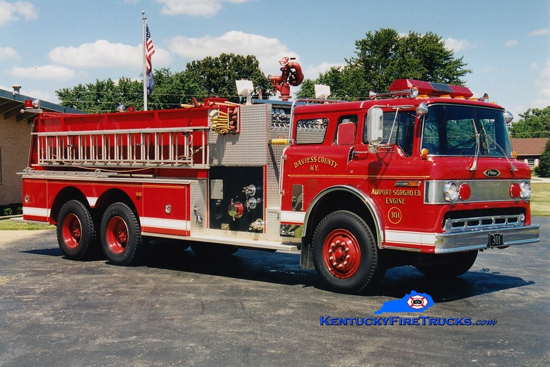 <center> RETIRED <br> Daviess County Engine 301 <br> 1985 Ford C-8000/Pierce 1000/2000 <br> Greg Stapleton photo <br> </center>