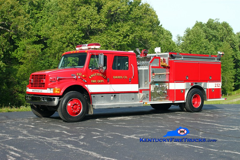 <center> Knottsville  Engine 223 <br> 1996 International 4900/E-One 1250/1000 <br> Kent Parrish photo </center>