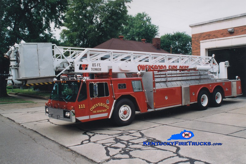 RETIRED<br /> Owensboro Ladder 111<br /> 1976 Oshkosh/LTI 85' <br /> Greg Stapleton photo