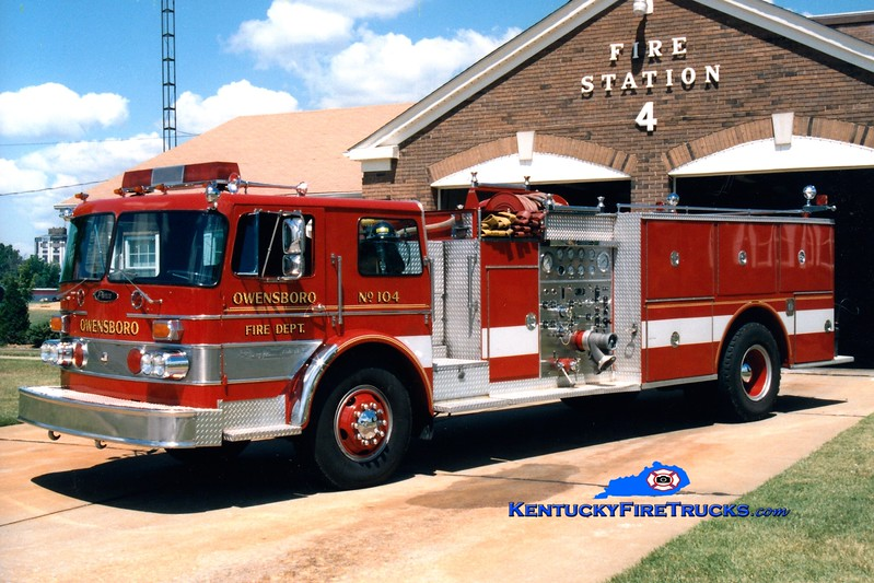 <center> RETIRED <BR> Owensboro  Engine 104 <br> 1976 Duplex/Pierce 1250/500 <br> Greg Stapleton photo <br> </center>