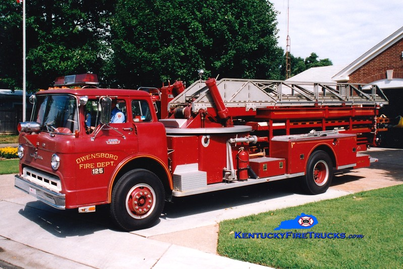 <center> RETIRED <br> Owensboro  Ladder 145 <br> x-Ladder 111 and 125 <br> 1968 Ford C-950/American LaFrance 65'  <br> Greg Stapleton photo <br> </center>