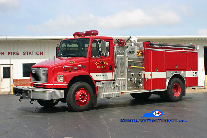 St. Joseph  Engine 226<br /> 2001 Freightliner FL70/E-One 1250/1000<br /> Kent Parrish photo