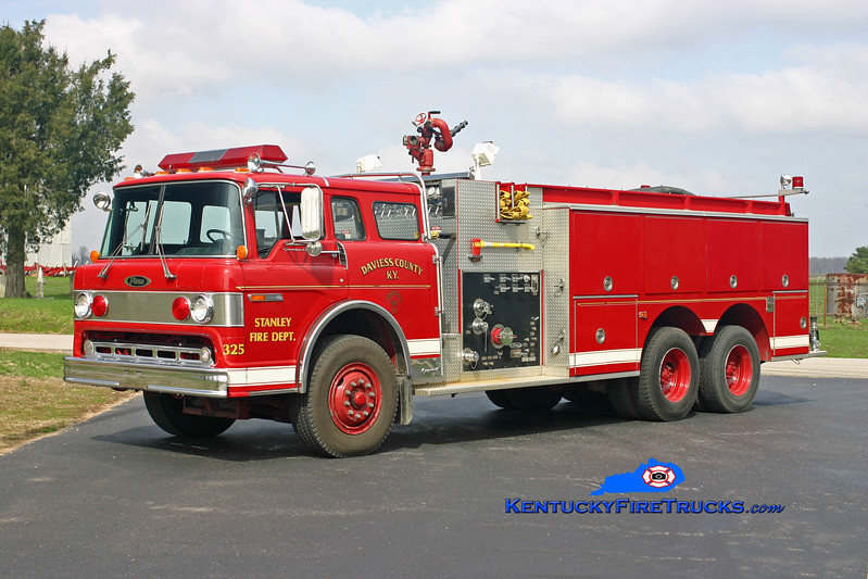 <center> RETIRED <br> Stanley  Tanker 325 <br> x-Daviess County FD, KY <br> 1985 Ford C-8000/Pierce 1000/2000 <br> Kent Parrish photo <br> </center>