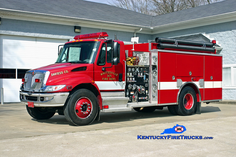 <center> Stanley  Engine 305 <br> 2004 International 4400/Pierce 1250/1000 <br> Kent Parrish photo <br> </center>