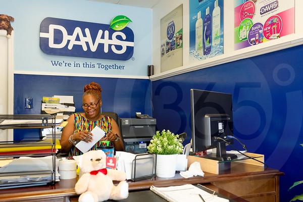 Davis-4076