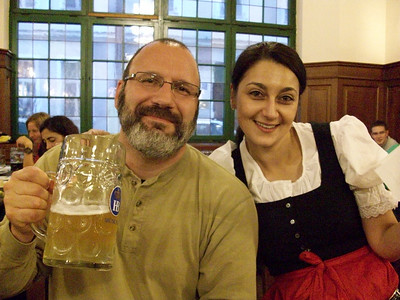 Making friends on vacation. Hofbrauhaus in Munich.