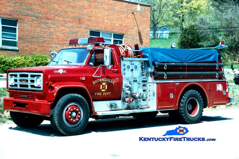 <center> Brownsville  Engine 22 <br> 1981 GMC 7000/Grumman 750/750<br> Greg Stapleton photo </center>